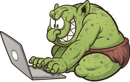 Troll vor dem Laptop